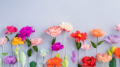 Aprenda a fazer flores com forminhas de doce