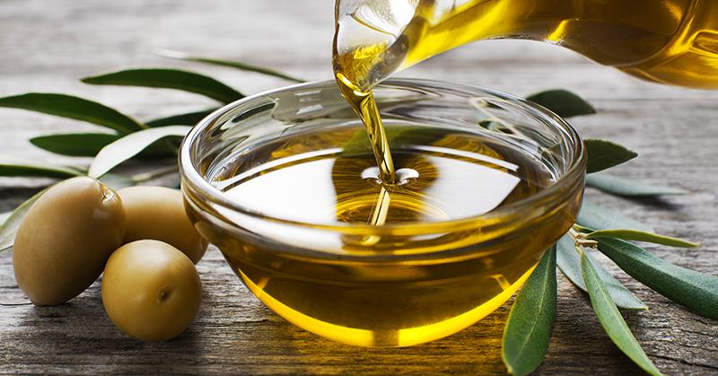 Diferença entre óleo e azeite, qual a melhor opção?