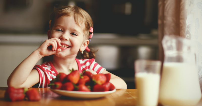 Dicas para manter a alimentação do seu filho saudável durante as férias