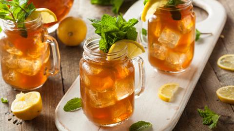 Prepare em casa: 6 receitas de chá para se refrescar no verão