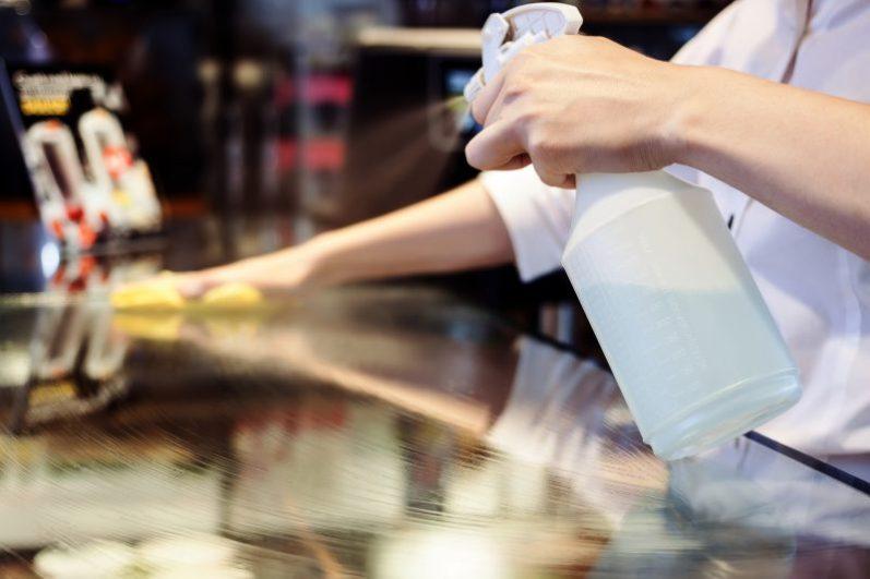 5 dicas para utilizar o vinagre na limpeza de casa