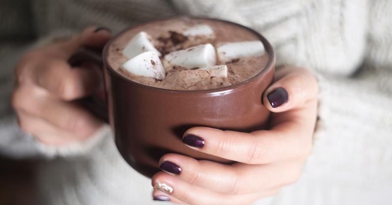 3 receitas de chocolate quente acompanhado de Biscoitos Casaredo