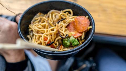 Yakissoba simples: receita fácil e deliciosa