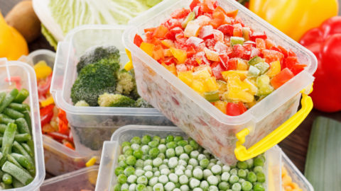 Conheça os alimentos que não devem ser congelados