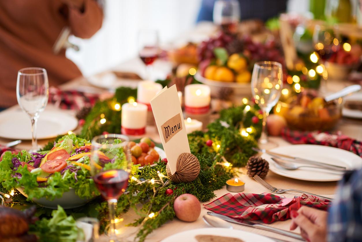 Aprenda como decorar a mesa de natal gastando pouco